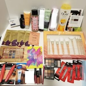 HUGE lot of cosmetic & care Inc Eyeshadow Palettes